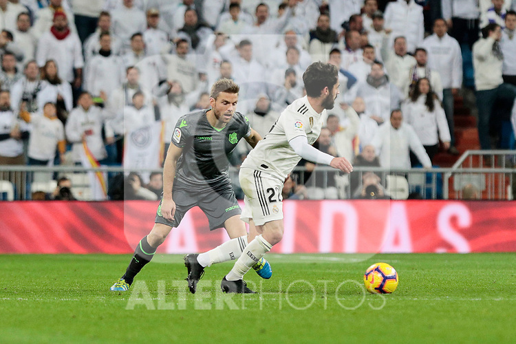 Real Madrid's Francisco Alarcon 'Isco' and Real Sociedad's Asier Illarramendi during La Liga match between Real Madrid and Real Sociedad at Santiago Bernabeu Stadium in Madrid, Spain. January 06, 2019. (ALTERPHOTOS/A. Perez Meca)<br />  (ALTERPHOTOS/A. Perez Meca)