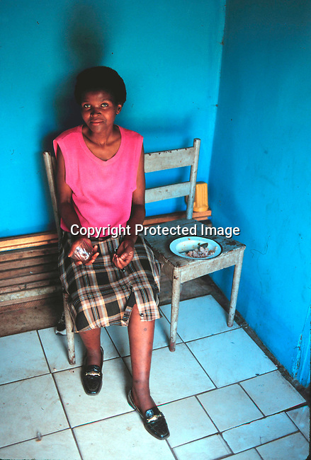 SIAIDSG20190.Social Issues, Aids. Woman with Aids, Natal 3/99..©Per-Anders Pettersson.