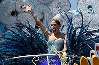 BARRANQUILLA-COLOMBIA- 25-02-2017: Stephanie Mendoza, reina 2017 del Carnaval, durante la batalla de flores. El Carnaval de Barranquilla 2017 invita a todos los colombianos a contagiarse del Jolgorio general de una de las festividades más importantes del país y que se lleva a cabo del 9 hasta el 28 de febrero de 2016. / Carnaval de Barranquilla 2017 invites all Colombians to catch the general reverly that make it one of the most important festivals of the country and take place until February 28, 2017.  Photo: VizzorImage / Santiago Perez / Cont