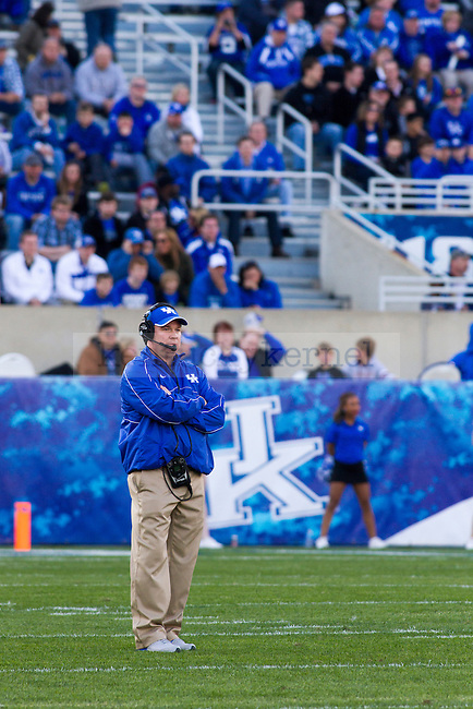 Head coach Mark Stoops watches his team's performance in the Spring Blue vs White game. in Lexington, Ky., on Sunday, April, 14, 2013. Photo by James Holt | Staff