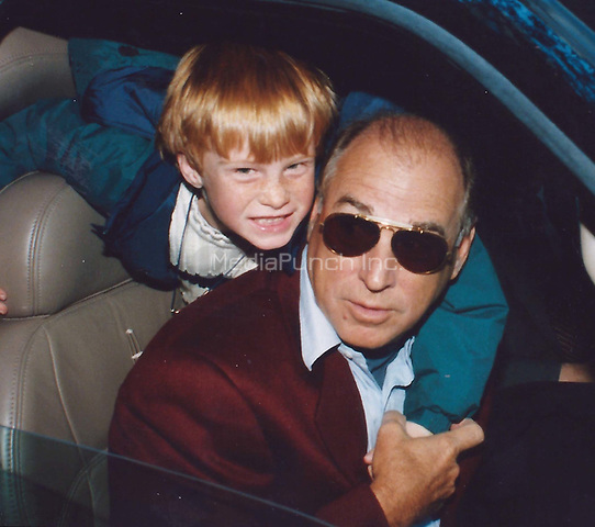 Jimmy Buffett and son Cameron 1999<br /> Photo to By John Barrett/PHOTOlink/MediaPunch
