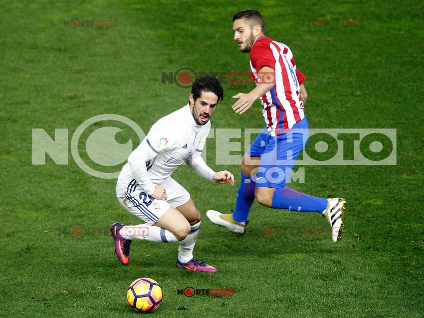 Atletico de Madrid's Koke Resurrecccion (r) and Real Madrid's Isco Alarcon during La Liga match. November 19,2016. (ALTERPHOTOS/Acero) /NORTEPHOTO.COM