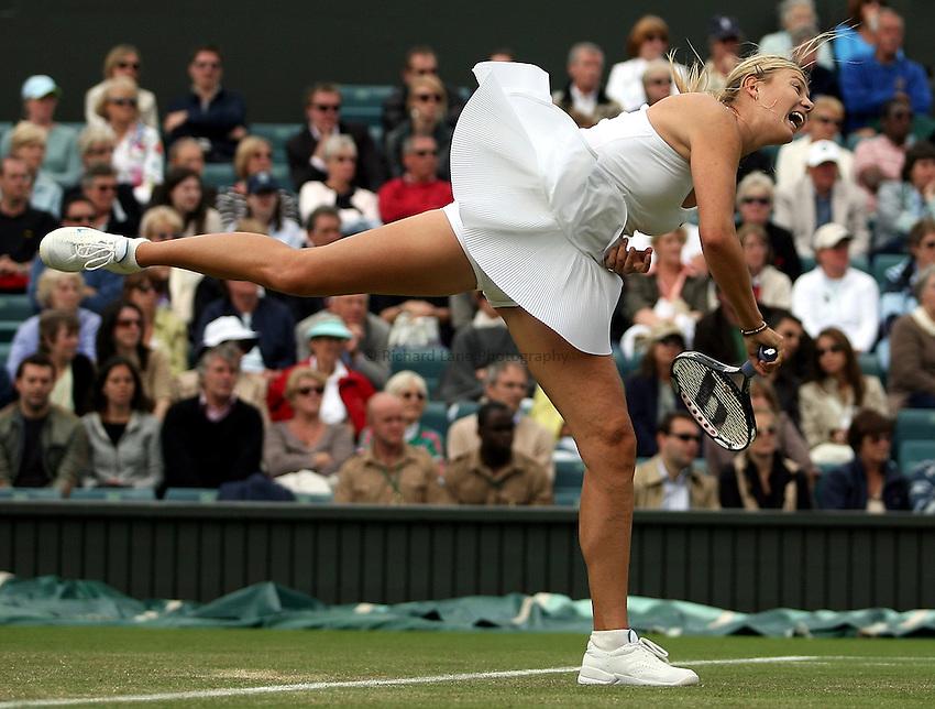 Photo: Paul Thomas..Wimbledon Championships. 28/06/2007...Maria Sharapova (RUS) during her match against Severine Bremond.