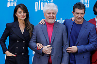 MADRID, SPAIN-March 12: Antonio Banderas, Penelope Cruz and Pedro Almodovar attend the Dolor y Gloria photocall at the Villamagna hotel in Madrid, Spain on the 12th of March of 2019. March12, 2019. ***NO SPAIN***<br /> CAP/MPI/RJO<br /> &copy;RJO/MPI/Capital Pictures