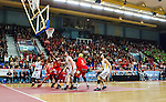 ****BETALBILD**** <br /> Uppsala 2015-04-24 Basket SM-Final 3 Uppsala Basket - S&ouml;dert&auml;lje Kings :  <br /> Vy &ouml;ver Fyrishov med publik p&aring; l&auml;ktarna under matchen mellan Uppsala Basket och S&ouml;dert&auml;lje Kings <br /> (Foto: Kenta J&ouml;nsson) Nyckelord:  Basket Basketligan SM SM-final Final Fyrishov Uppsala S&ouml;dert&auml;lje Kings SBBK inomhus interi&ouml;r interior supporter fans publik supporters