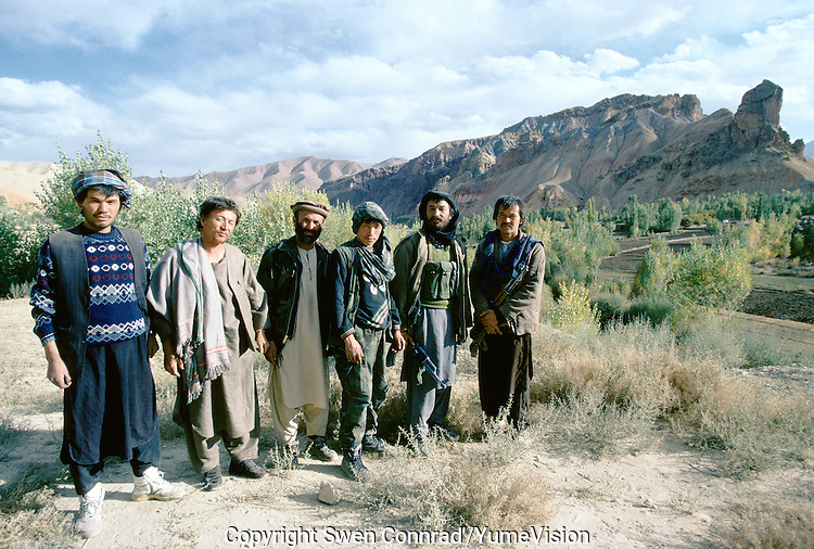 Mercenary of the warlord Ahmad Shah Massoud running a way from Bamiyan after a defeat from the local Hazara Mujahedins of Karim Kalili of the Hezb e Wahdat Islami. Hazarajat, Afghanistan.