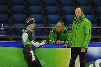 SCHAATSEN: HEERENVEEN: IJsstadion Thialf, 08-11-2012, training Thialf, Douwe de Vries, Geert Kuiper (teamleader/assistent coach), Gerard Kemkers (hoofdtrainer/coach), ©foto Martin de Jong
