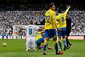 5th November 2017, Santiago Bernabeu, Madrid, Spain; La Liga, Real Madrid versus UD Las Palmas; Toni Kroos (8) Real Madrid appeals for the foul from contact