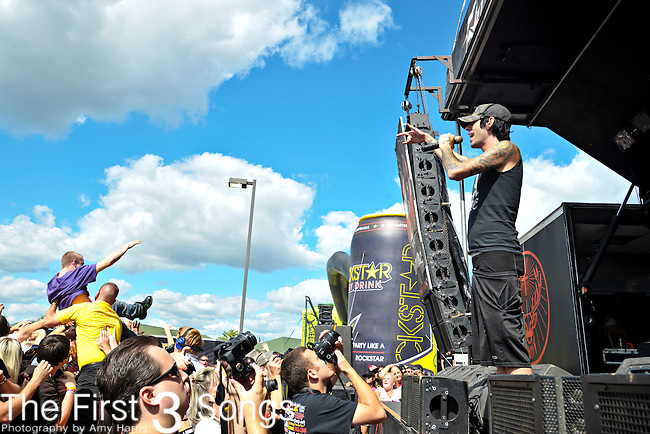 Deuce (real name Aron Erlichman) performs at Klipsch Music Center in Indianapolis, Indiana during the Rockstar Energy Drink Uproar Festival.