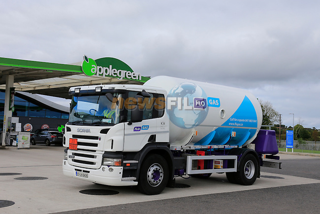 Flo Gas 7.5t Tanker at Applegreen Luck<br /> Picture Fran Caffrey www.newsile.ie