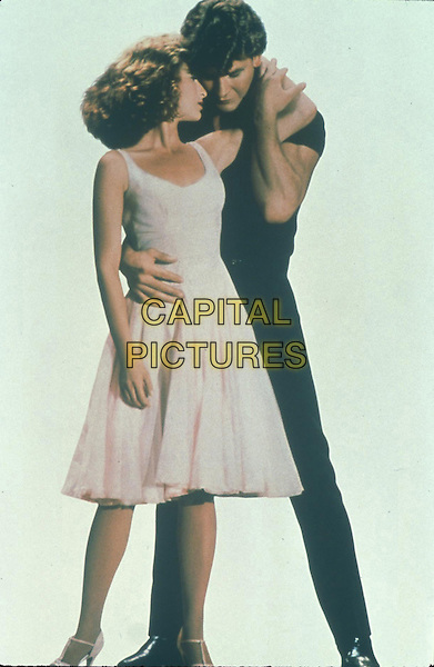 JENNIFER GREY & PATRICK SWAYZE.in Dirty Dancing.*Filmstill - Editorial Use Only*.CAP/FB.Supplied by Capital Pictures.