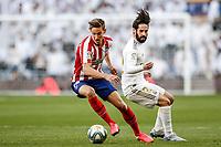 1st February 2020; Estadio Santiago Bernabeu, Madrid, Spain; La Liga Football, Real Madrid versus Atletico de Madrid; Marcos Llorente (Atletico de Madrid) turns awy from Isco of Real