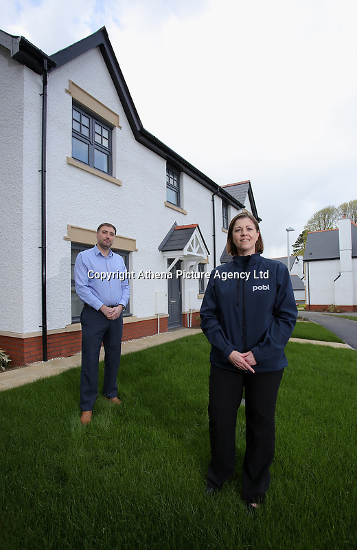 Pictured: Kathryn Evans, Project Manager at POBL Group and ndrew Bowen, Planning and Technical Manager at Waterstone Homes. Wednesday 26 April 2017<br /> Re: Waterstone Homes' most recent property development Howell's Reach, is in Derwen Fawr, Swansea and is made up of 13 luxury family homes, and also includes five affordable homes.
