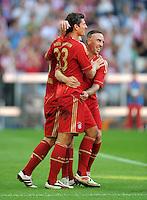 FUSSBALL   1. BUNDESLIGA  SAISON 2011/2012   5. Spieltag FC Bayern Muenchen - SC Freiburg         10.09.2011 JUBEL nach dem Tor Mario Gomez, Franck Ribery (v. li., FC Bayern Muenchen)