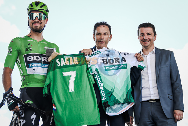 Green Jersey Peter Sagan (SVK) Bora-Hansgrohe at sign on before Stage 9 of the 2019 Tour de France running 170.5km from Saint-Etienne to Brioude, France. 14th July 2019.<br /> Picture: ASO/Pauline Ballet | Cyclefile<br /> All photos usage must carry mandatory copyright credit (© Cyclefile | ASO/Pauline Ballet)