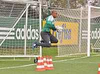SÃO PAULO.SP. 09.04.2015 - PALMEIRAS TREINO - Jailson goleiro do Palmeiras durante o treino na Academia de Futebol zona oeste na nesta quinta feira 09. ( Foto: Bruno Ulivieri / Brazil Photo Press )