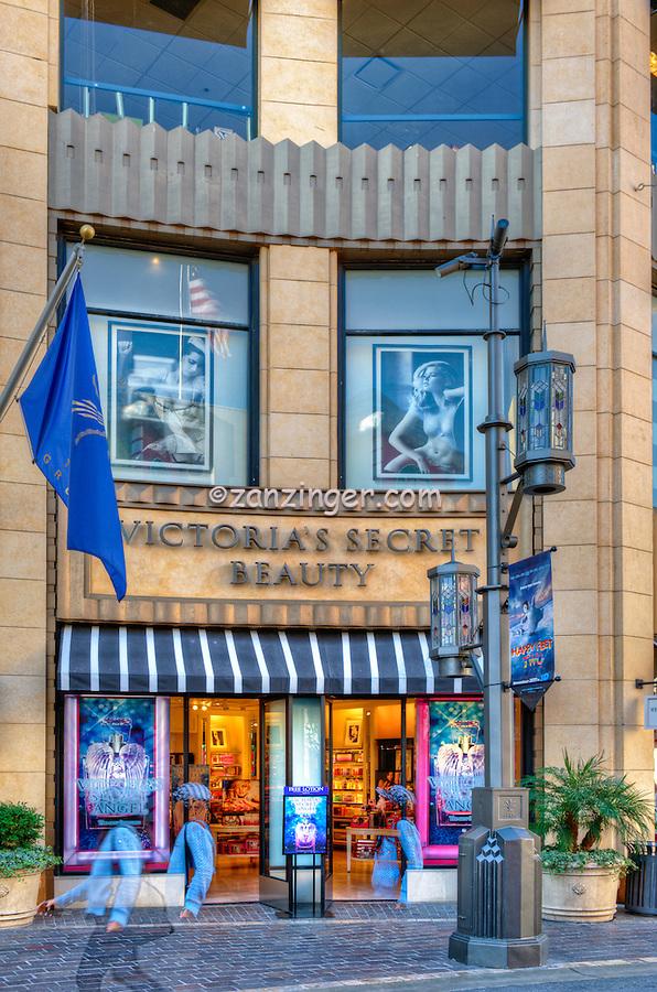 The Grove, Victoria's Secret, Los Angeles, CA. retail, entertainment complex, Shopping, Outdoor Mall, Landmark