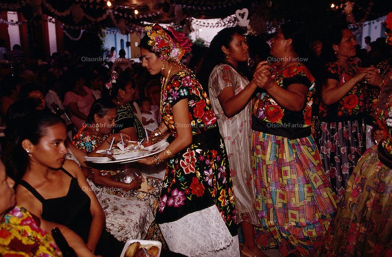 Women in tradition clothing dance and party into the night. Weekends are full of wedding celebrations in the Isthmus of Tehuantepec, the narrow and flat part of the country where the Zapotec culture is still strong. <br /> Mexican women here are noticeably open and confident, taking a leading role in business and government. The Isthmus never became part of the Aztec Empire and resistance to the Spanish was strong in the mid-1500s.
