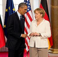 Berlin, US-Präsident Barack Obama und Bundeskanzlerin Angela Merkel am Mittwoch (19.06.13) in Berlin vor Schloss Charlottenburg auf dem Roten Teppich des Empfangs für den US-amerikanischen Praesident Barack Obama in Berlin. Foto: Michael Gottschalk/CommonLens