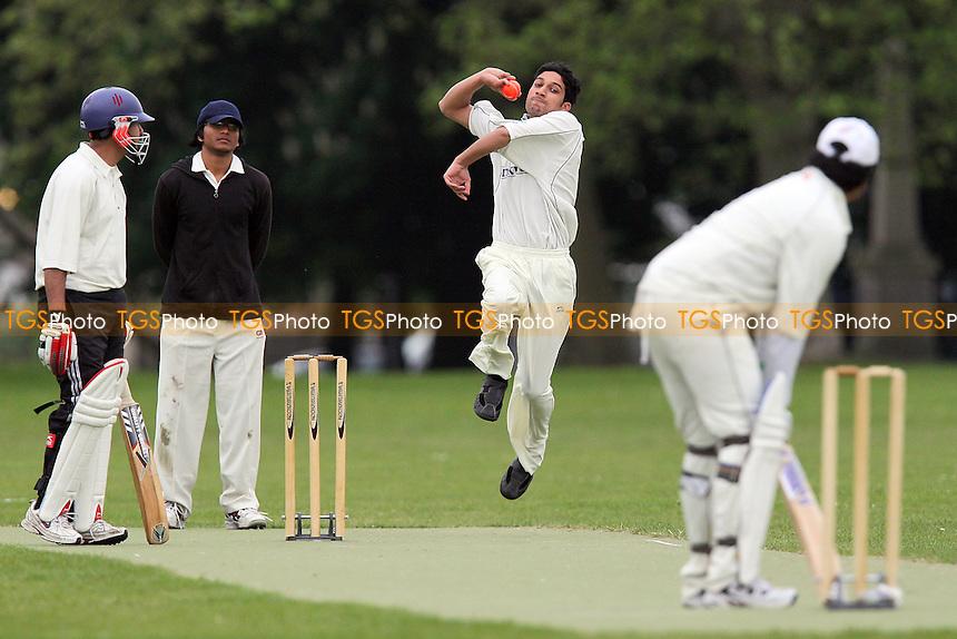 Sky CC (fielding) vs West Ham CC - Victoria Park Community Cricket League Cup - 19/05/10 - MANDATORY CREDIT: Gavin Ellis/TGSPHOTO - Self billing applies where appropriate - Tel: 0845 094 6026