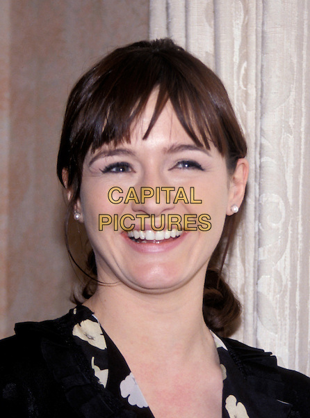 EMILY MORTIMER.March 2005.headshot portrait.www.capitalpictures.com.sales@capitalpictures.com.© Capital Pictures.