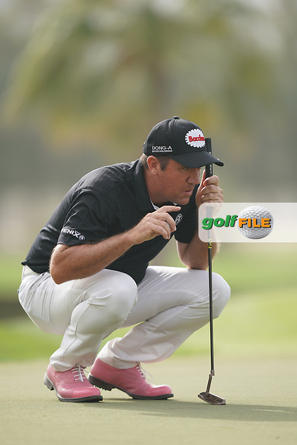 Scott Hend (AUS) in action during the second round of the Omega Dubai Desert Classic, Emirates Golf Club, Dubai, UAE. 25/01/2019<br /> Picture: Golffile | Phil Inglis<br /> <br /> <br /> All photo usage must carry mandatory copyright credit (&copy; Golffile | Phil Inglis)