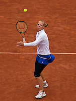 Paris, France, 01 June, 2016, Tennis, Roland Garros, Womans quarter final Kiki Bertens in her match against Timea Bacsinszky (SUI)<br /> Photo: Henk Koster/tennisimages.com