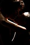 Embrase-moi<br /> <br /> Avec : Kaori Ito et Th&eacute;o Touvet<br /> Texte, mise en sc&egrave;ne et chor&eacute;graphie : Kaori Ito et Th&eacute;o Touvet<br /> Assistant : Gabriel Wong<br /> Production :  Compagnie Him&eacute;<br /> Date : 30/03/2018<br /> Lieu : M&eacute;nagerie de verre<br /> Ville : Paris