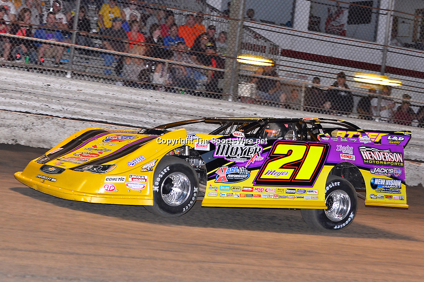 Feb 20, 2014; 6:54:12 PM;  Barberville, FL, USA;  World of Outlaws Late Model Series for 43rd Annual DIRTcar Nationals presented by Summit Racing Equipment at Volusia Speedway Park.  Mandatory Credit: (thesportswire.net)