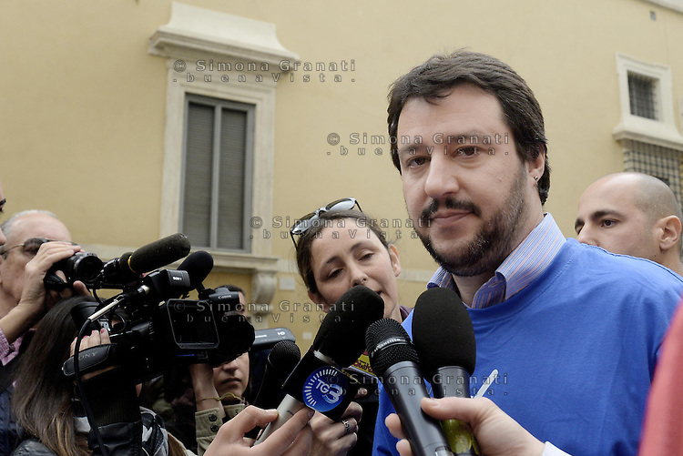 Roma, 9 Aprile 2014<br /> Largo Goldoni<br /> La Lega nord raccoglie firme per presentare 5 Referendum per l'abrogazione della legge Merlin sulla prostituzione, la legge Mancino sui reati di opinione, l'abolizione delle Prefetture, l'abolizione della possibilit&agrave; per gli stranieri di partecipare a concorsi pubblici e l'abolizione della legge Fornero sulle pensioni.<br /> Il segretario della Lega nord Matteo Salvini<br /> The Northern League collects signatures to present 5 referendum to repeal the law on prostitution Merlin, the Mancino law on crimes of opinion, the abolition of the Prefectures, the abolition of the possibility for foreigners to take part in public competitions and the abolition of Fornero Law on pensions.