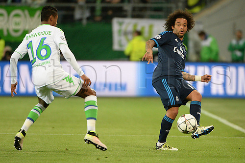 06.04.2016. Wolfsburg, Geramny. UEFA Champions League quarterfinal. VfL Wolfsburg versus Real Madrid.  Bruno HENRIQUE (VfL Wolfsburg, 16) covers the break from MARCELO (Real Madrid, 12)