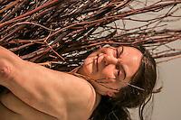 SÃO PAULO, SP, 19.11.2014 EXPOSIÇÃO RON MUECK NA PINACOTECA DE SÃO PAULO - As esculturas do artista Ron Mueck expostas na Pinacoteca de São Paulo, na tarde desta quarta - feira (19), na região central da cidade.(Foto: Taba Benedicto/ Brazil Photo Press)