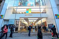 NEW YORK, NY, 19.03.2017 - FACHADA-MICROSOFT  - Vista da fachada da loja da Microsoft na Quinta Avenida em Manhattan na cidade de New York neste domingo, 19. (Foto: Vanessa Carvalho/Brazil Photo Press)