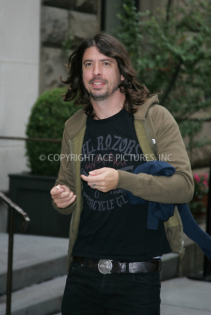 WWW.ACEPIXS.COM . . . . . ....October 2007, New York City....David Grohl sighting....Please byline: DAVID MURPHY - ACEPIXS.COM.. . . . . . ..Ace Pictures, Inc:  ..(646) 769 0430..e-mail: info@acepixs.com..web: http://www.acepixs.com