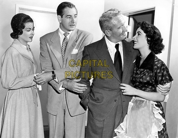 ELIZABETH TAYLOR, JOAN BENNETT, DON TAYLOR & SPENCER TRACY.in Father's Little Dividend (1951) .*Filmstill - Editorial Use Only*.CAP/STF/PEL.Supplied by Capital Pictures.