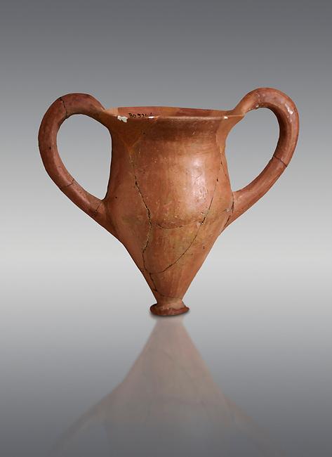Hittite terra cotta two handled drinking vessel. Hittite Period, 1600 - 1200 BC.  Hattusa Boğazkale. Çorum Archaeological Museum, Corum, Turkey