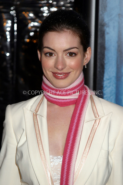 Anne Hathaway at the World Premiere of The Lord of the Rings: The Two Towers. New York, December 5, 2002...Please byline: Alecsey Boldeskul/NY Photo Press.   ..*PAY-PER-USE*      ....NY Photo Press:  ..phone (646) 267-6913;   ..e-mail: info@nyphotopress.com