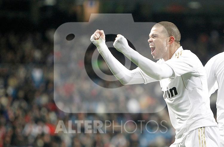 Real Madrid's Pepe celebrates during La Liga match. February 12, 2012. (ALTERPHOTOS/Alvaro Hernandez)