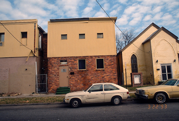 1993 March 22..Redevelopment.Huntersville 1&2 (R-70)..NORTH HUNTERSVILLE STUDY.SEQUENCE 39.704 JOHNSON AVENUE.NORTH SIDE...NEG#.NRHA#..