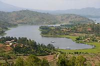 RWANDA, Musanze, Ruhengeri, lake Ruhondo