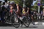 (L-R) Hirokatsu Tayama, Hiroki Hikida, OCTOBER 13, 2013 - Triathlon : 19th Annual Triathlon National Championships Tokyo Port in Odaiba, Tokyo, Japan. (Photo by AFLO SPORT) [0006]