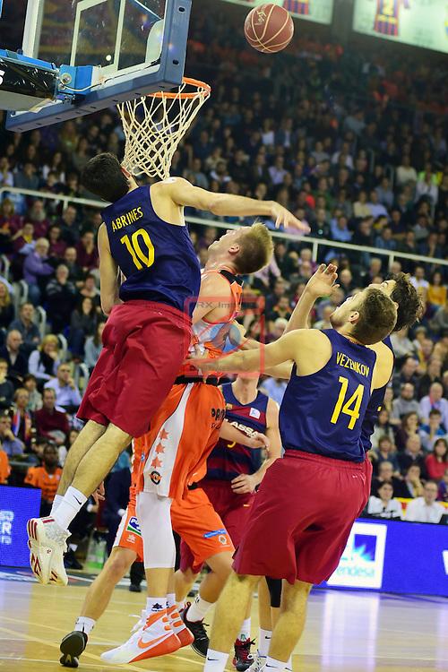 League ACB-ENDESA 2015/2016 - Game: 17.<br /> FC Barcelona Lassa vs Valencia Basket Club: 91-94.<br /> Alex Abrines, Justin Hamilton, Ante Tomic &amp; Vezenkov.