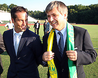 Harold Mayne-Nicholls with John Harkes during the visit of the FIFA World Cup 2018-2022 inspection delegation to George Mason University soccer practice facility.