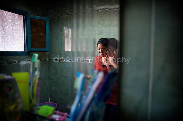 Copyright : Magali Corouge / Documentography.Le Caire, le 26 janvier 2013. .Yitong Shen dans le quartier d'Abbasseya du Caire.