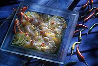 Gastronomie Générale: Poisson mariné aux piments thaïs et au citron vert