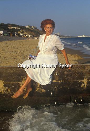 Pat Phonix actress actor  Bournmouth photo shoot 1980s Uk