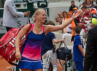 Paris, France, 26 June, 2016, Tennis, Roland Garros,  Kiki Bertens (NED) throws a towel to her fans<br />