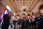 Nederland, Utrecht, 09-03-2012  Heropening Stadskasteel Paushuize . Voormalig CDK Beelaerts van Blokland tijdens rondleiding in Spiegelzaal. Foto: Gerard Til