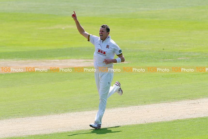 Peter Siddle of Essex celebrates taking the wicket of Jack Brooks during Essex CCC vs Yorkshire CCC, Specsavers County Championship Division 1 Cricket at The Cloudfm County Ground on 4th May 2018