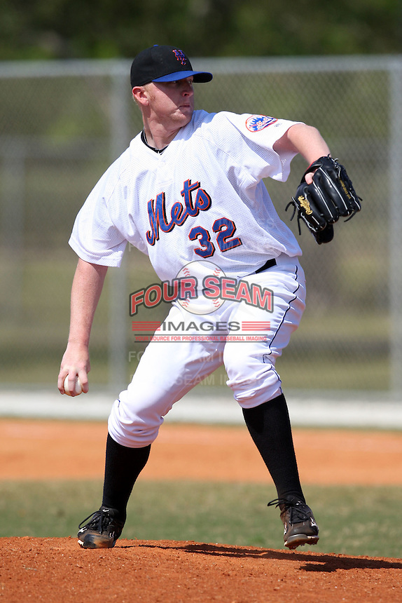 March 19, 2010:  Pitcher Chris Schwinden (32) of the New York Mets organization during Spring Training at the Roger Dean Stadium Complex in Jupiter, FL.  Photo By Mike Janes/Four Seam Images